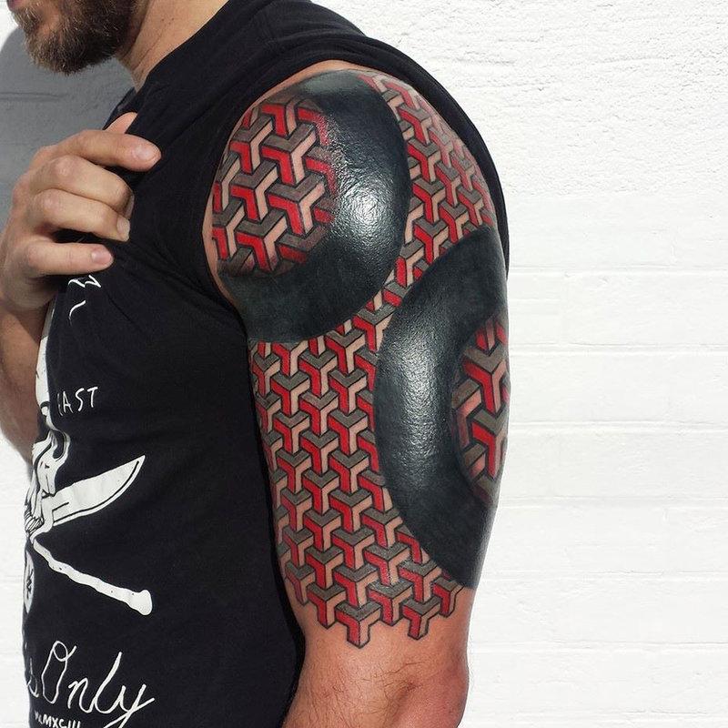 блекворк на плече тату