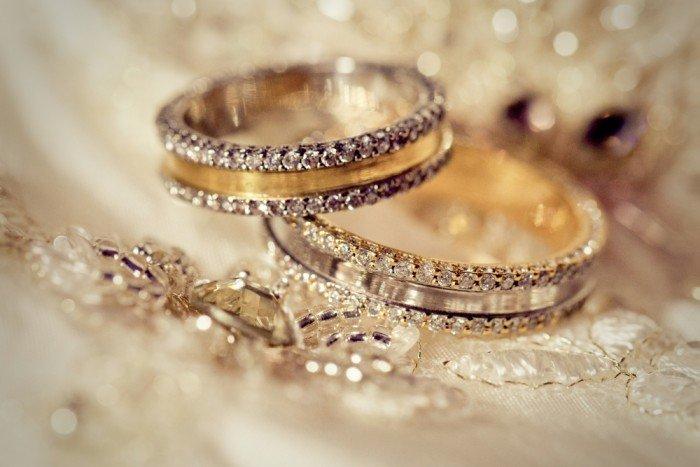 Свадебные аксессуары: обручальные кольца для жениха и невесты