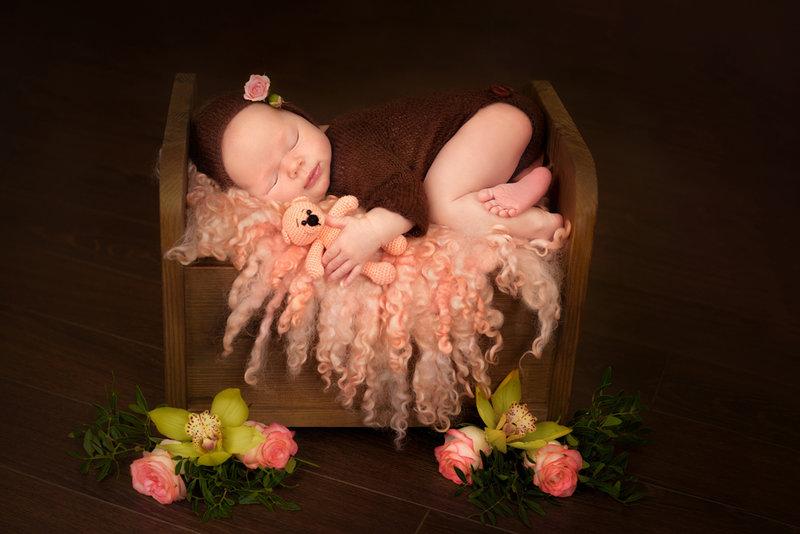 Фотосессия новорожденных. Яркие, трогательные и умилительные фото грудничков. Профессиональный фотограф новорожденных в Минске.
