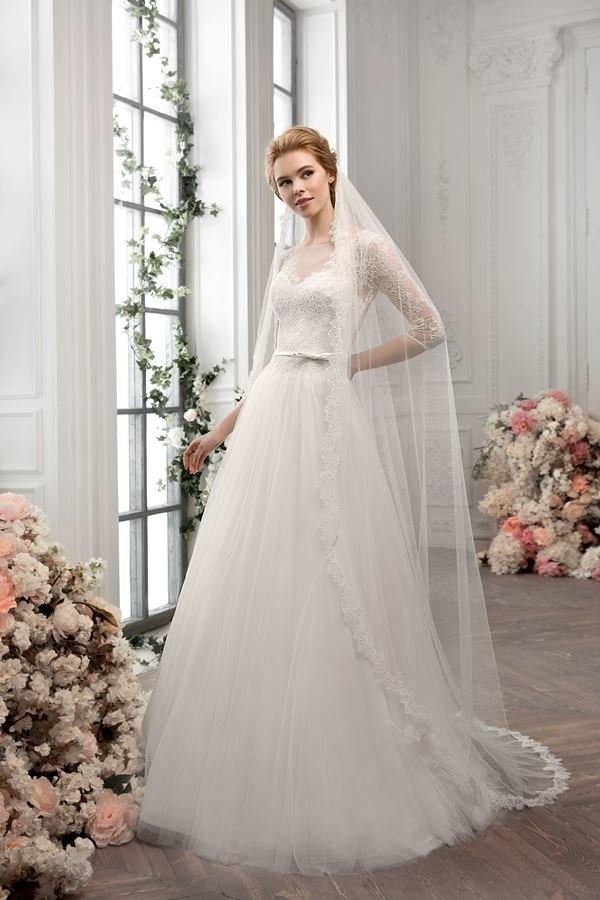 Свадебное платье и фата в пол