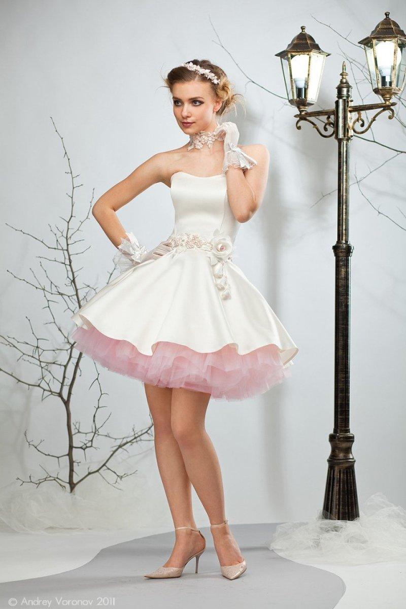 Свадебные платья из атласа короткие