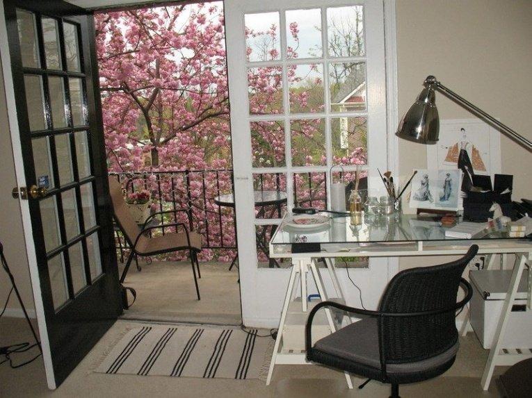 Рабочий стол для домашней творческой мастерской