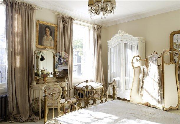 Шторы для спальни в викторианском стиле
