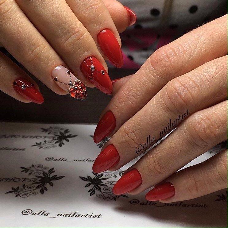острые ногти фото красные