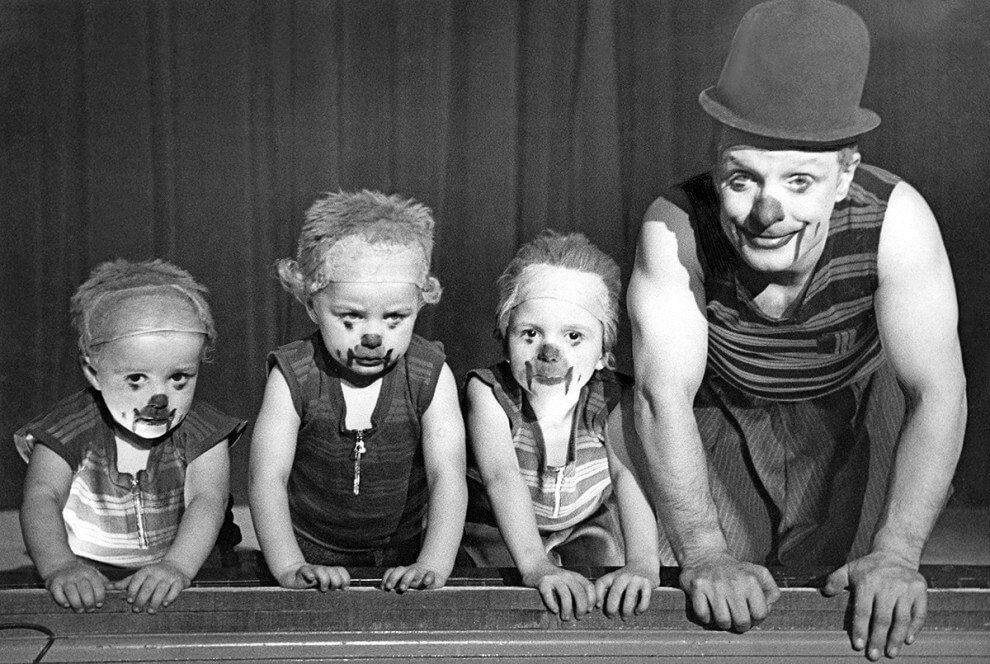 виде фото циркачей прошлого века правильнее
