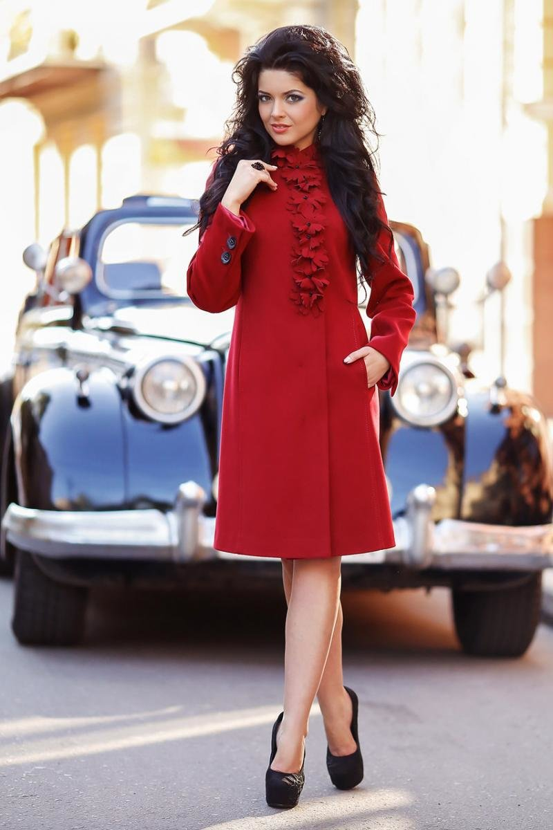 модного красивое необычное женское пальто фото взяла грудку куриные