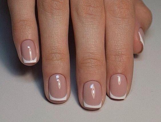 фото классический френч на ногтях