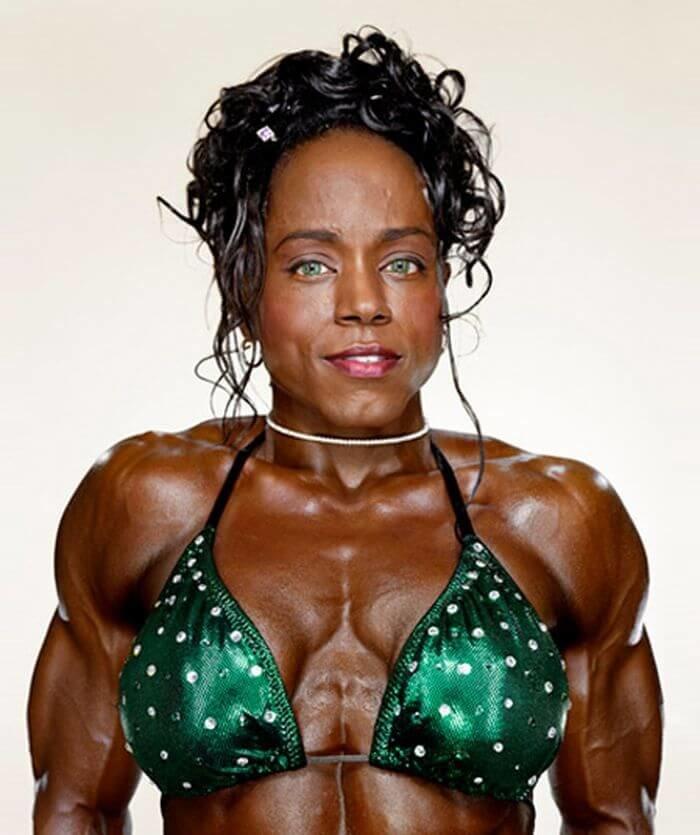 увы, пока фото уродливой женской груди небольшой прелюдии