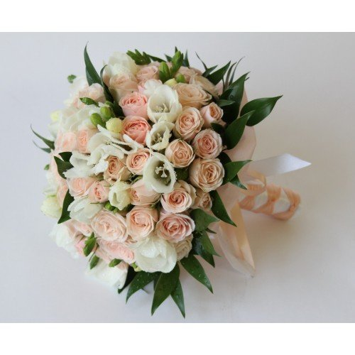 Букет невесты своими руками из кустовых роз