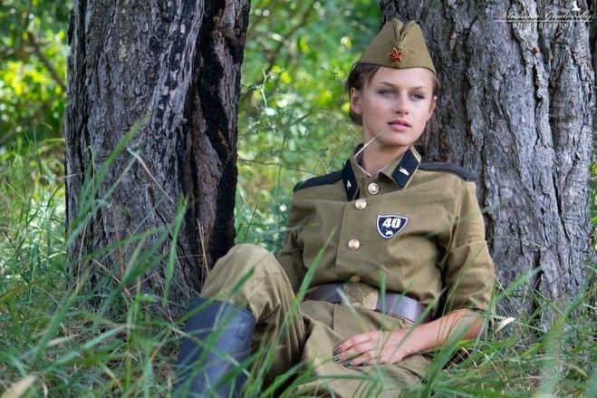 пришел фотосессия девушек в военной форме что подростковая мастурбация