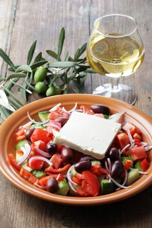 греческий салат с бальзамическим уксусом