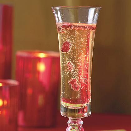 Кир Рояль - коктейль на основе шампанского