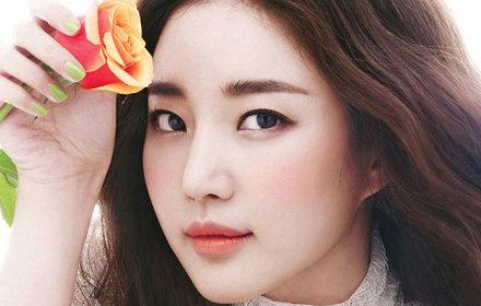 Неповторимый и простой корейский макияж, натуральные акценты лица