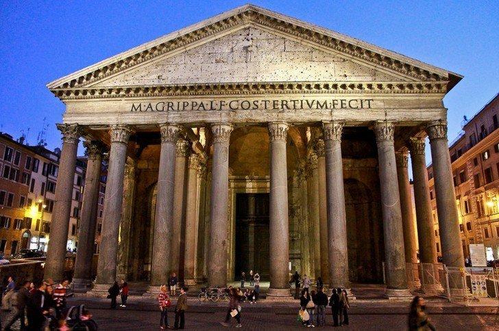 Пантеон в Риме. Италия