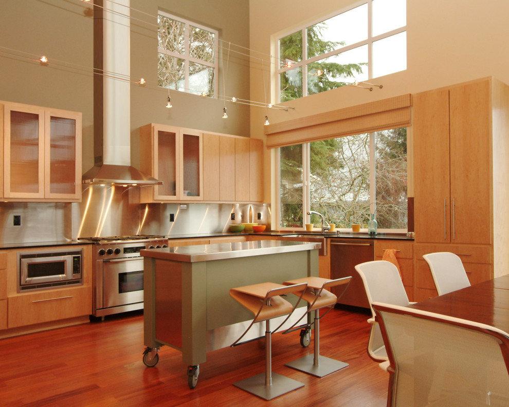 Красивая белая кухня фото мышечный