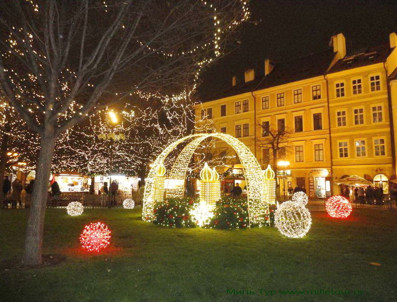 Новый год – это возможность погрузиться в сказку средневекового города. Волшебные улицы новогодней Праги