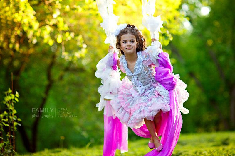 Профессиональный детский фотограф приглашает на детские фотосессии.