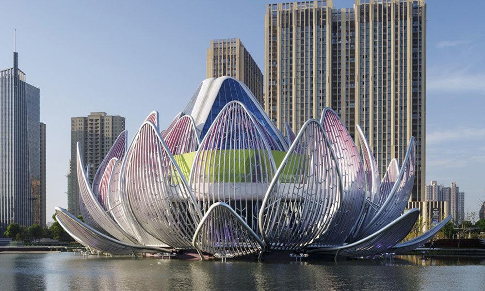 "High Tech Architektur: ""Lotus-Building-espectacular-edificio-con-forma-de-flor-de"