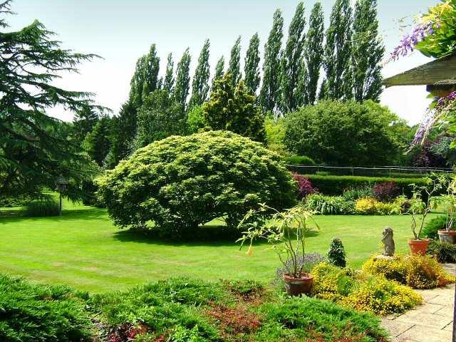 Ландшафтный дизайн английского сада.