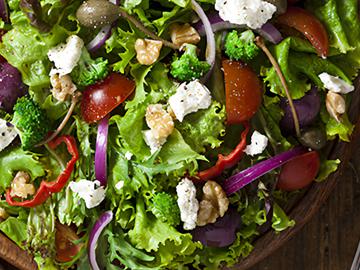 Как приготовить салат — узнайте в Яндекс.Коллекциях. Смотрите фотографии с рецептами вкусных классических и оригинальных салатов