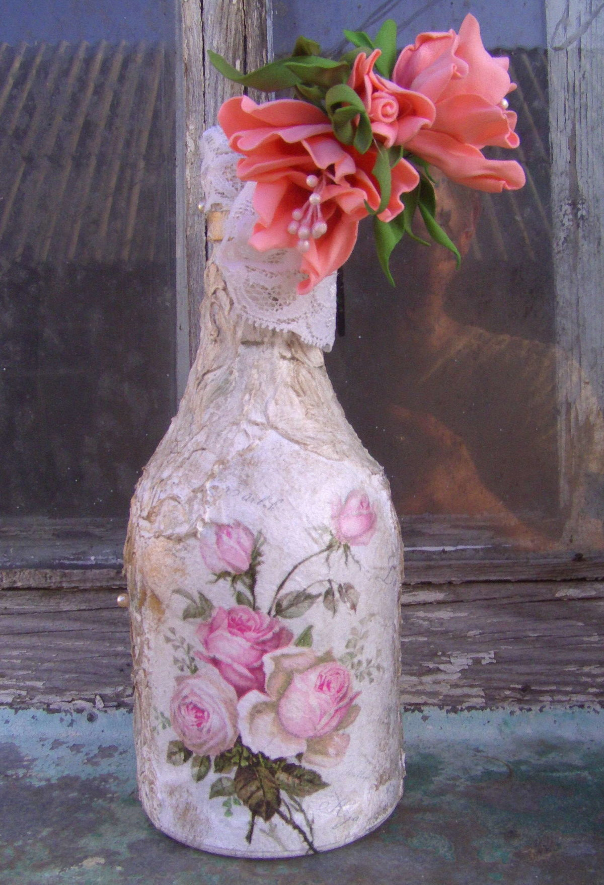 Бутылка с цветами картинка