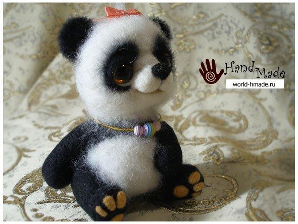 Милая панда-девочка