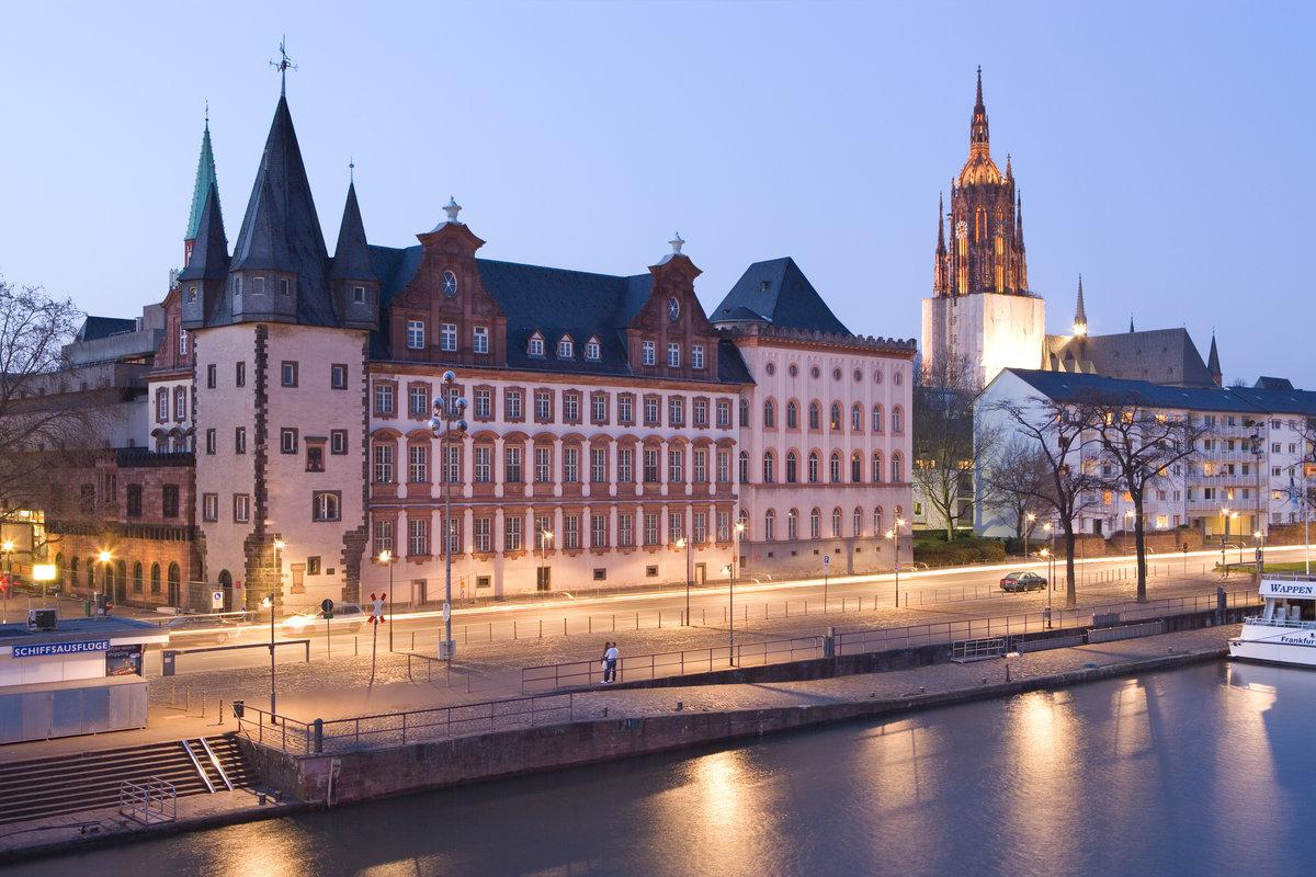 возводить строение франкфурт на майне достопримечательности фото кингисеппе