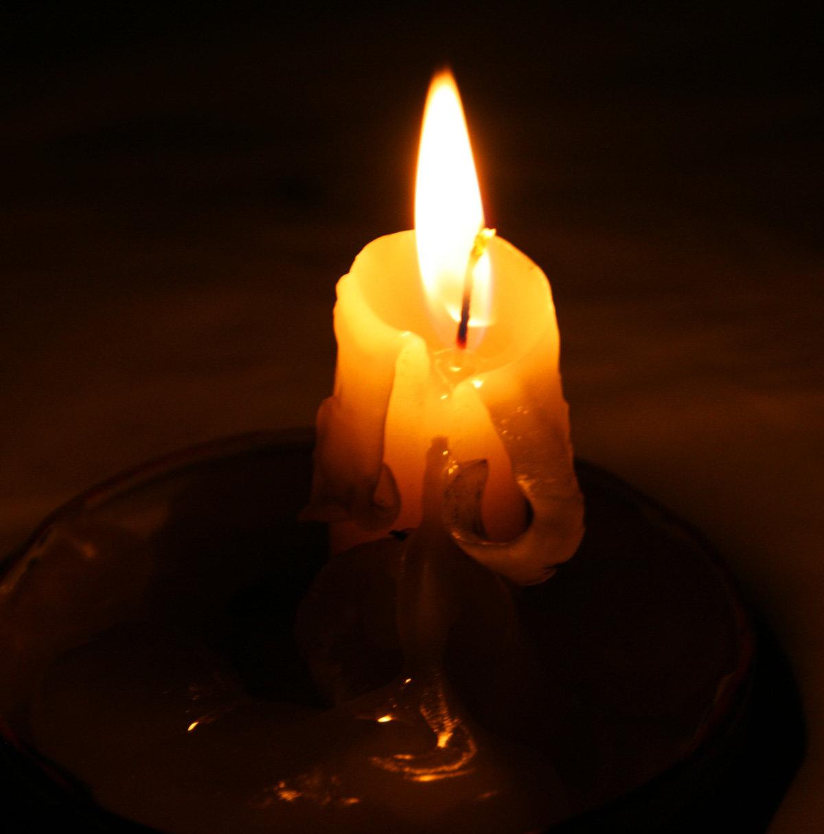 свеча в темноте картинка