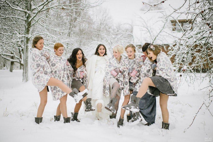 Зимние фотосессии на улице с подругами культуры