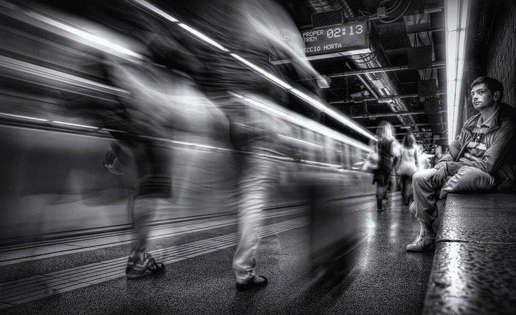 фото с эффектом люди стоят объекты двигаются красота, нежность, утонченность