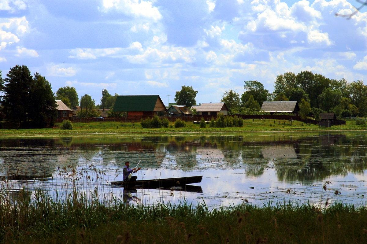 Фото деревня на берегу озера