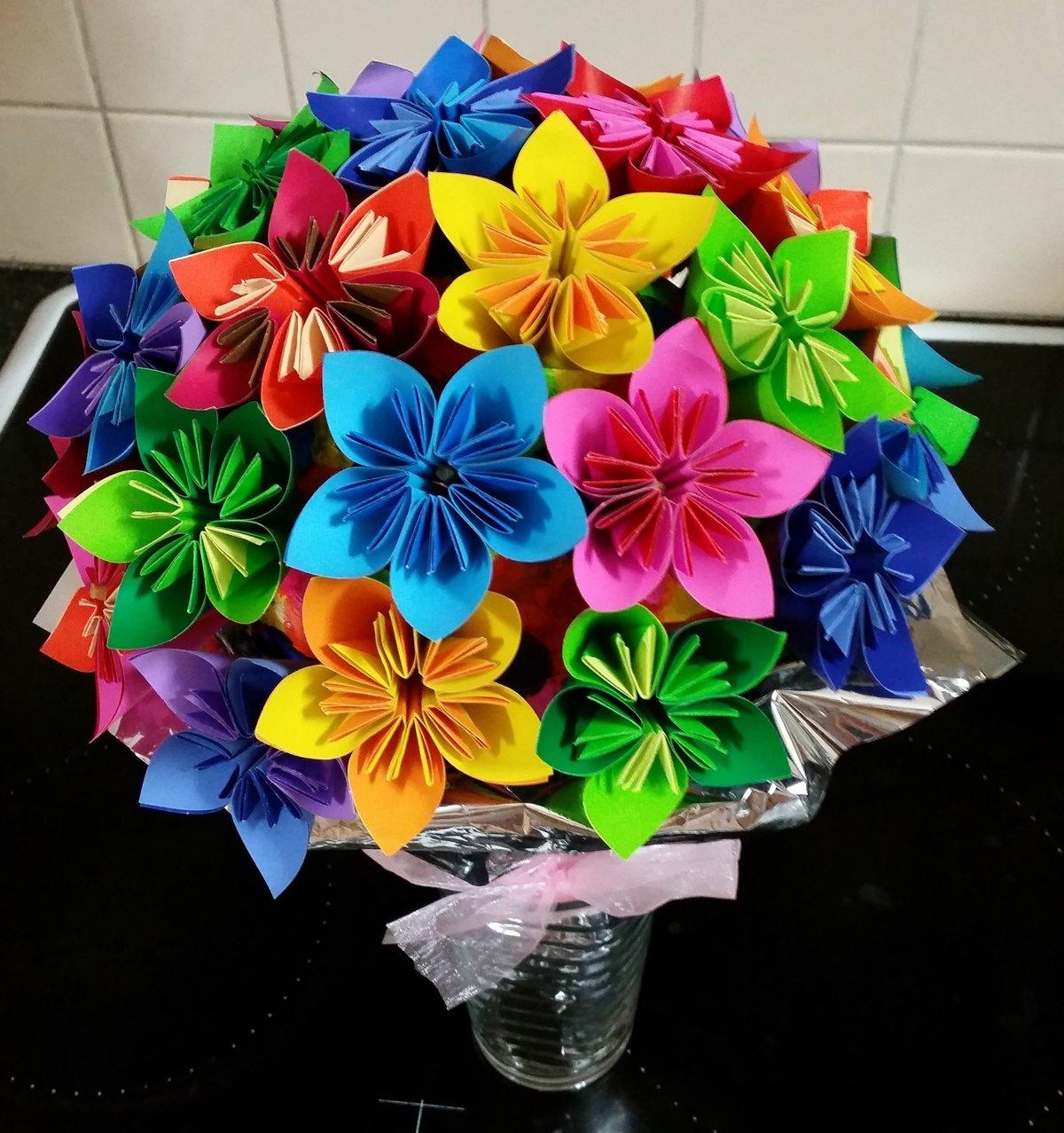 картинки поделок цветов из бумаги биографии