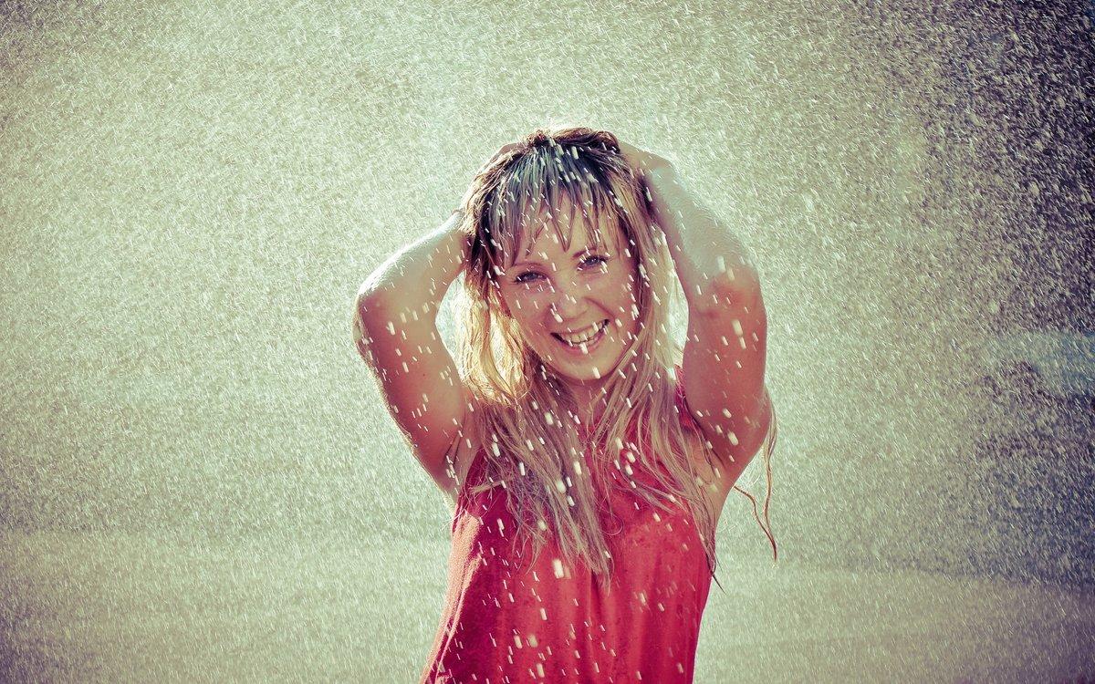 картинки люди в мокрой одежде простое или бальное