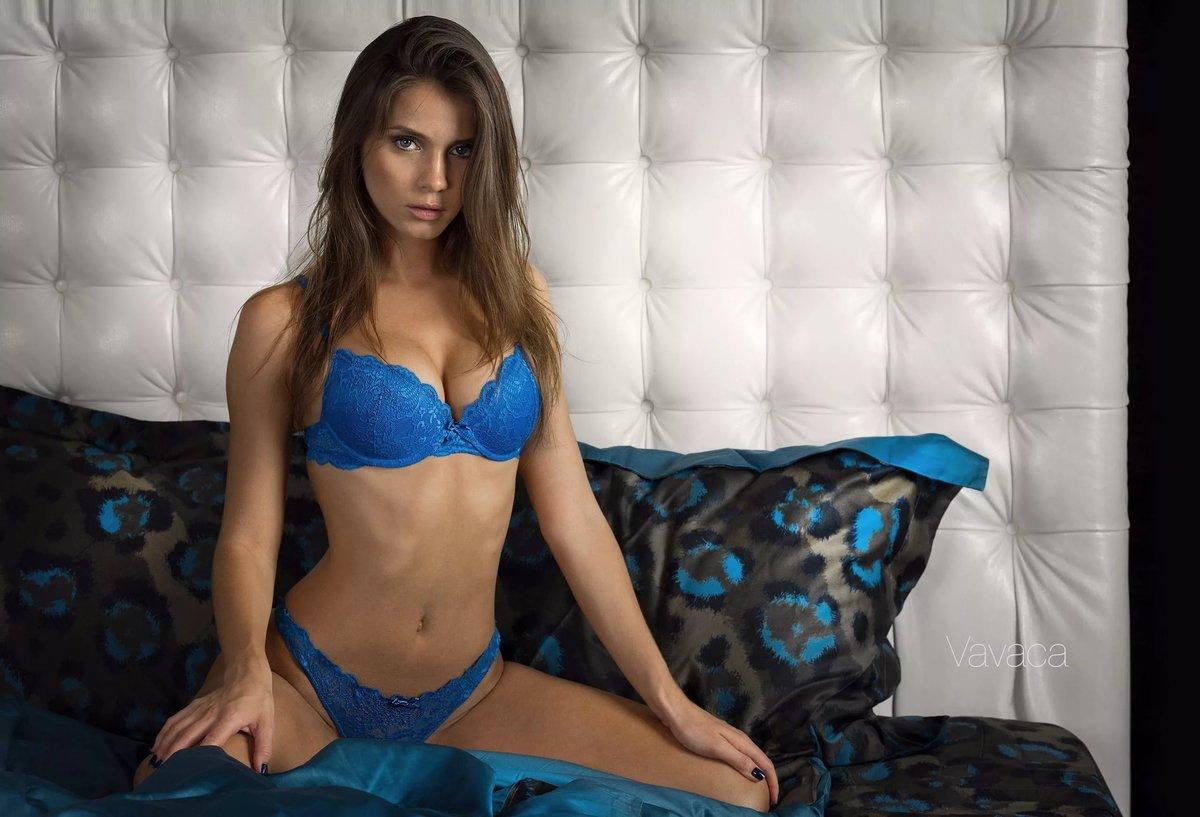 Телки в голубом белье, фото аналу розкритого