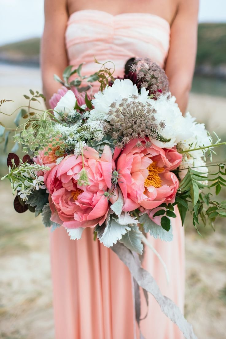 Цветы доставкой, стильные букеты невест