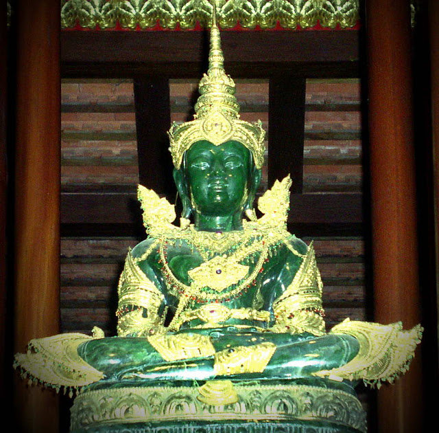 выбрать тайскую будда из нефрита фото студии предлагают провести