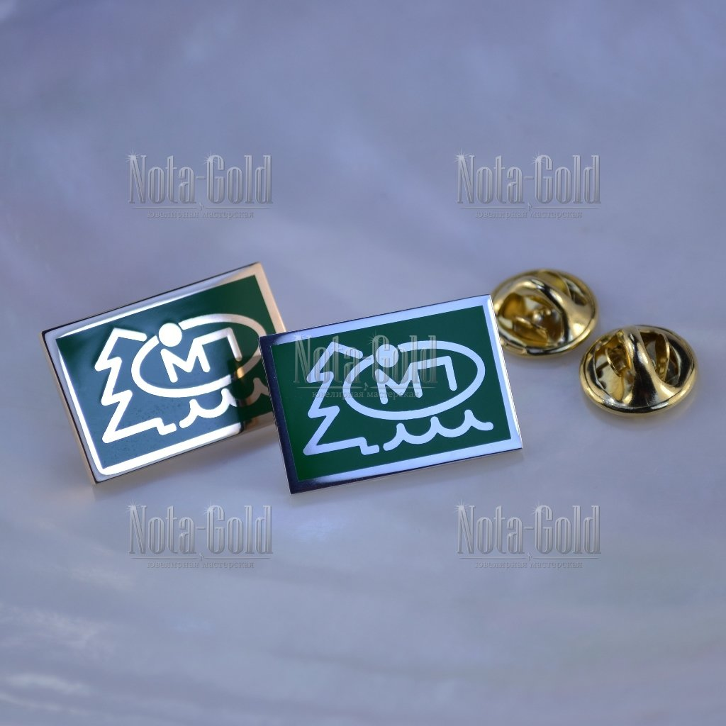 Золотые значки и запонки
