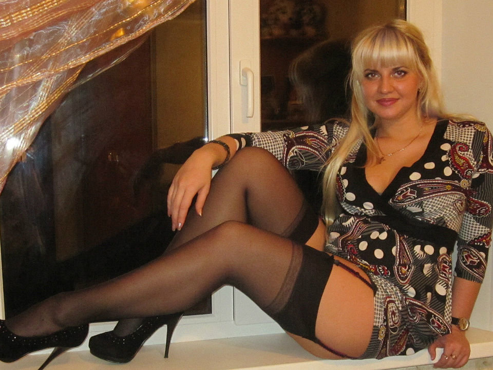Голые русские взрослые женщины на фото говори)))))