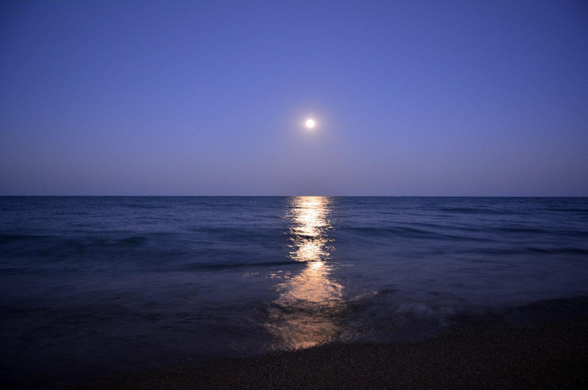 лунная ночь на море фото