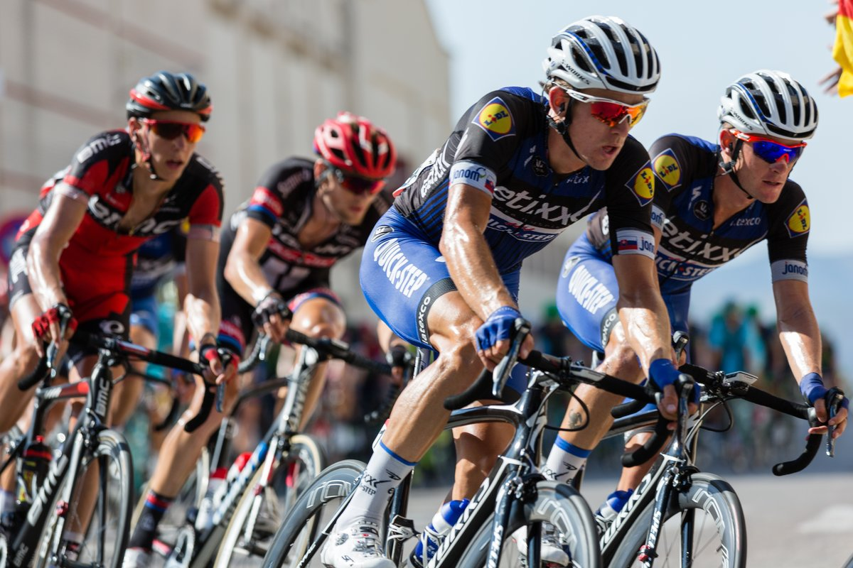 велосипедные гонки фото нижний конец правой