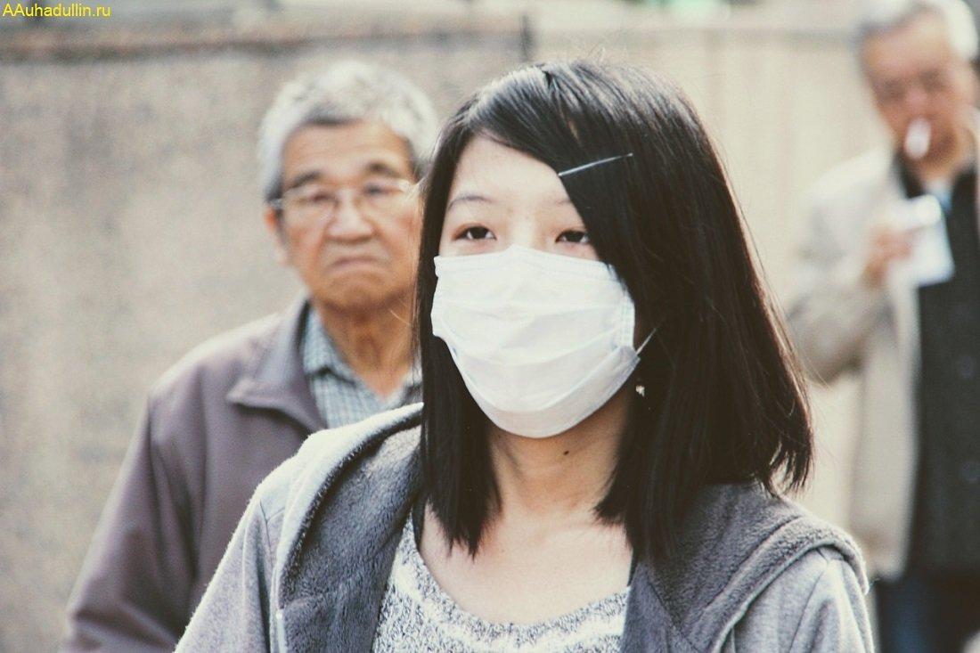Маска защищает от гриппа и пыли