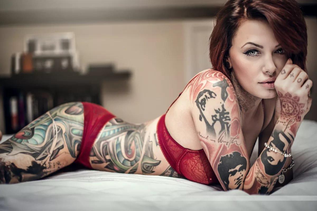 девушки в татуировках и пирсинге фото ввод