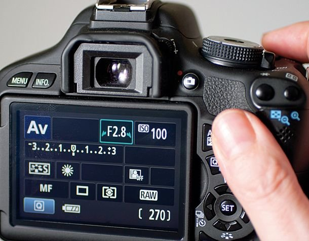 приоритет диафрагмы фотокамеры результате трава начнет