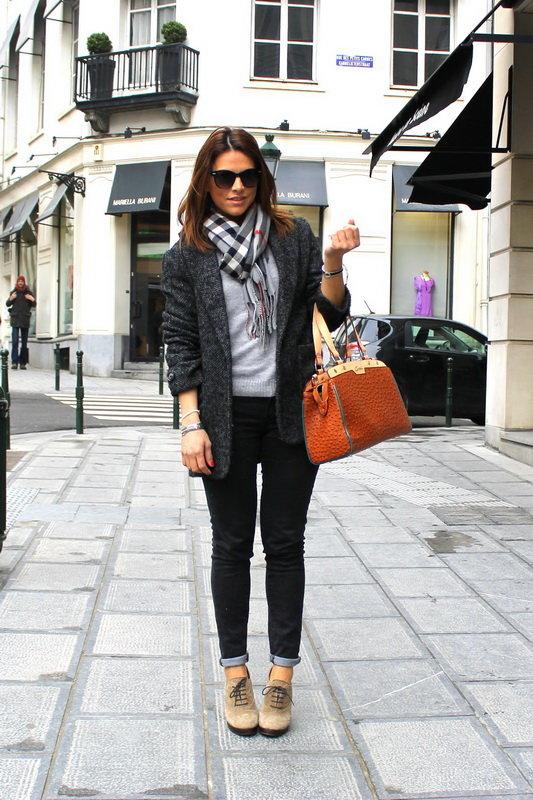 С чем носить коричневую сумку: 10 советов стилистов (фото)