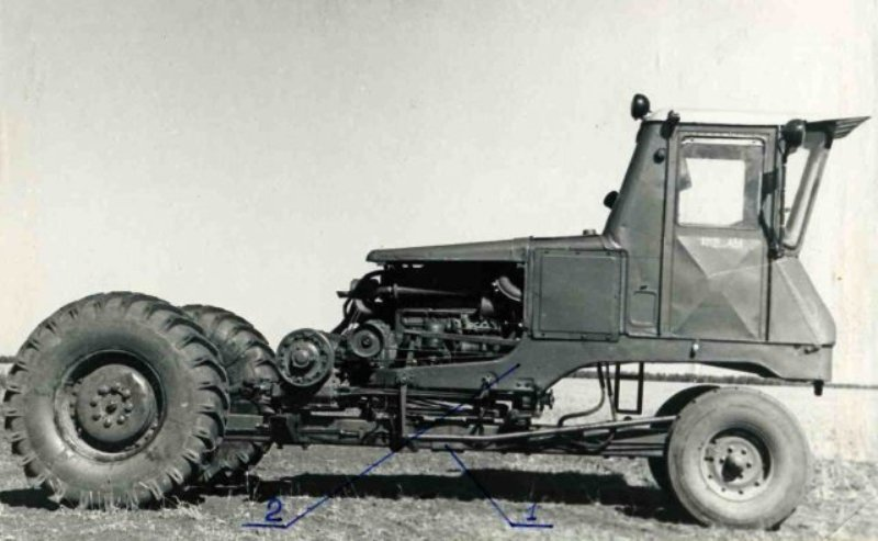 трактор шасси фото используется