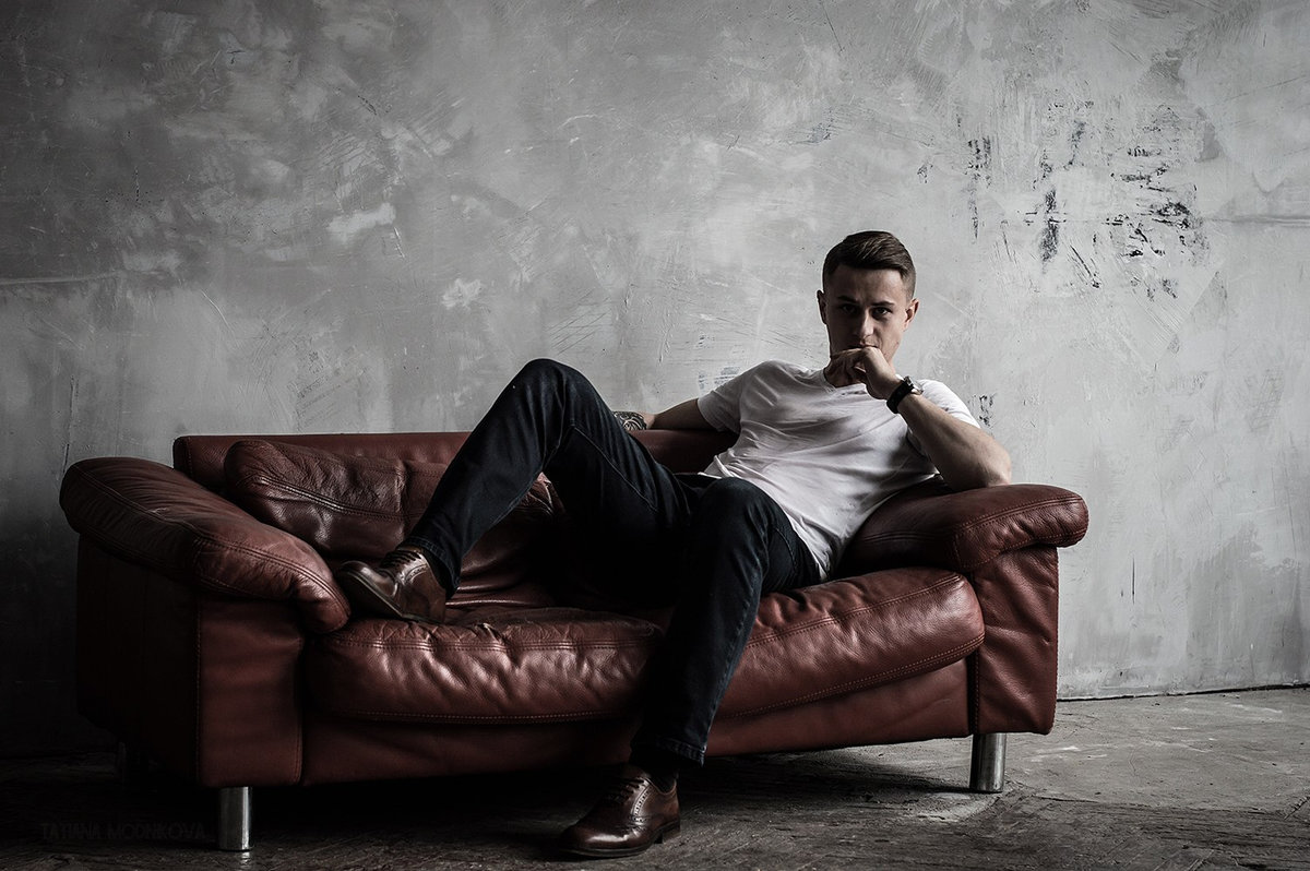 Парни на диванчике — pic 10
