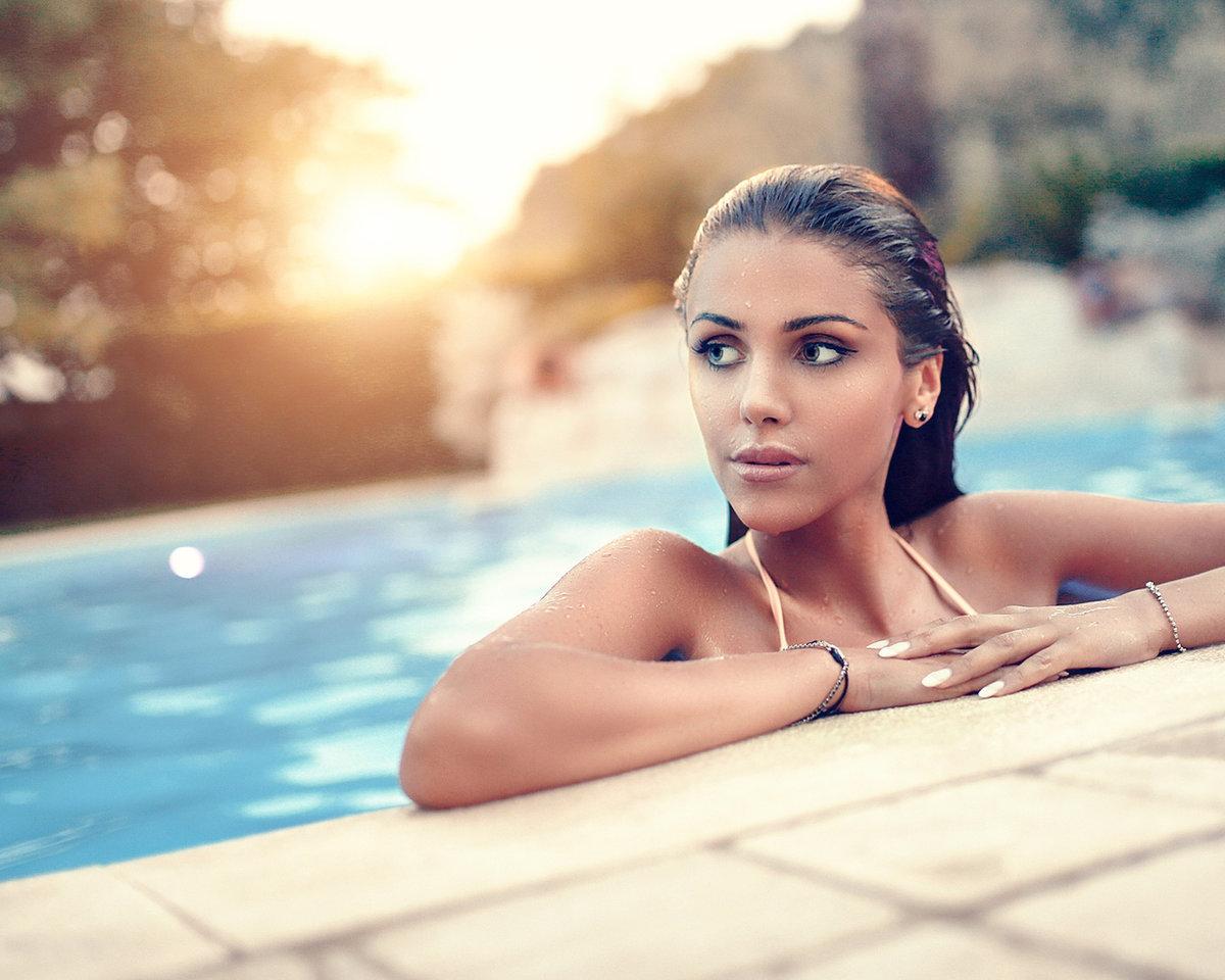 Порно фото девушек возле бассейна домашнее онлайн теле качестве