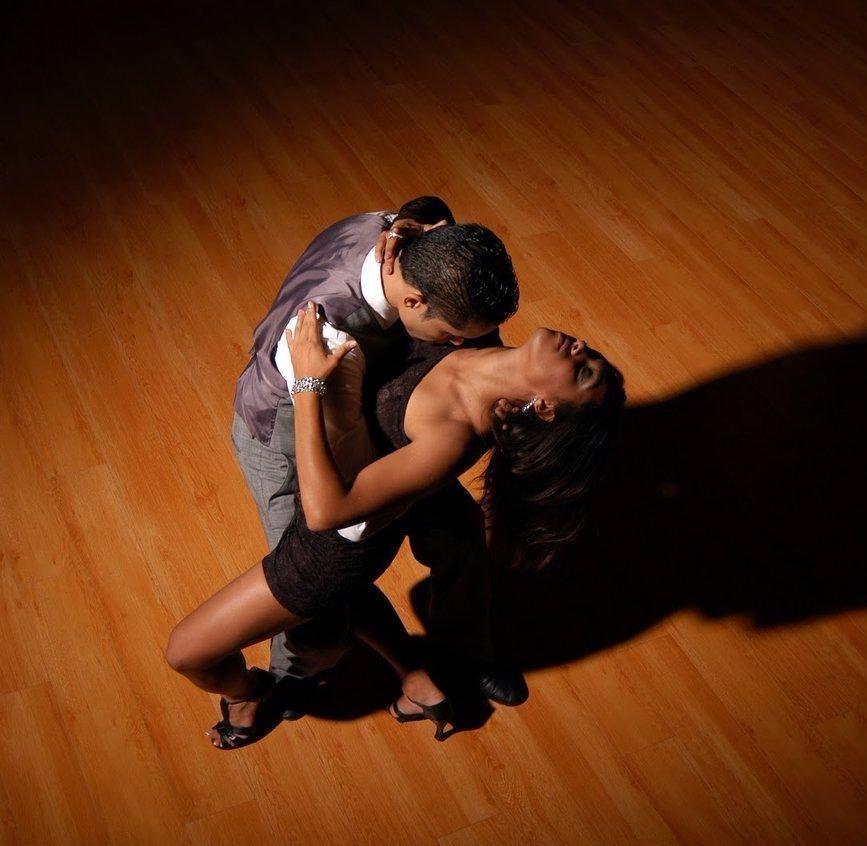 В чем танцуют бачату картинки