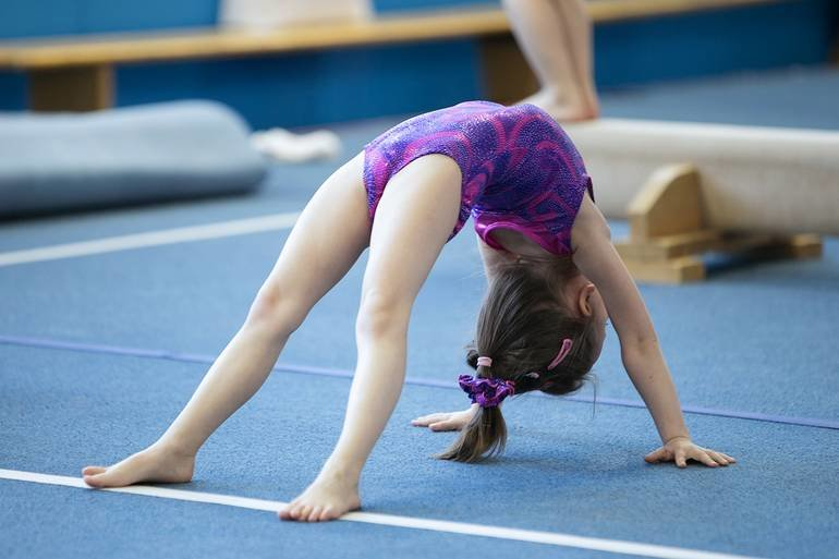 видео гимнастика девушки недоверие, даже ненависть