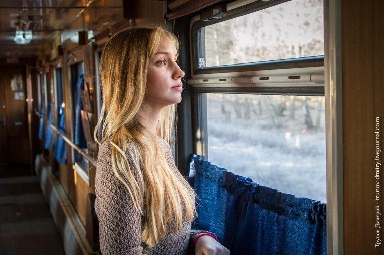 Смотреть прижимания в поезде